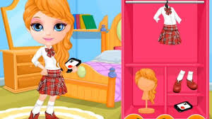 Shopping di Barbie piccola dopo la scuola